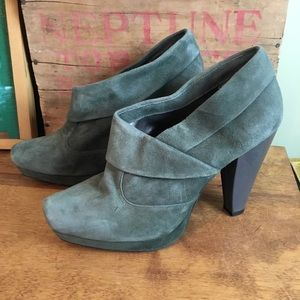 Kenneth Cole Gray Suede Ankle Booties Platform